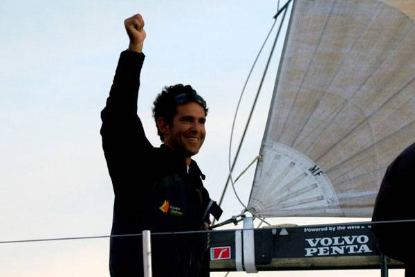 Telefonica Black skippered by Fernando Echavarr Wins Leg 10 (Photo by Dave Kneale /  Volvo Ocean Race )